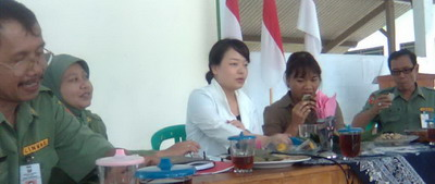 Kunjungan Miki Inagaki di TPK Karangdadap